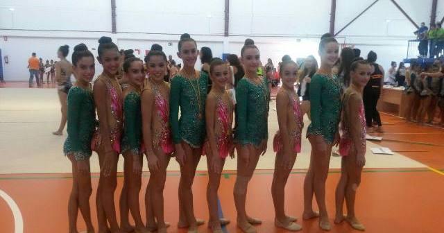 Equipo del Club Gimnasia Rítmica de Huelva en Chiclana.