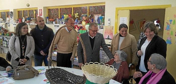 visita residencia mayores Madre Dios Almonte 02