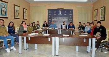 Foto grupo. Nuevos contratos Emplea Joven en Almonte