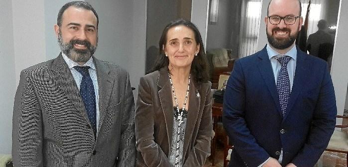 20170205 Subdelegada con gerente territorial Justicia (izd imagen) y su adjunto
