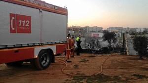 Chabolas de inmigrantes arden en Lepe (2)