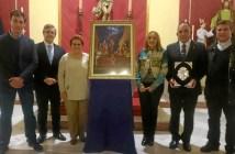 La Alcaldesa, el Primer Teniente de Alcalde, el Rvdo Parroco y la Presidenta de la Gestora junto al Pregonero y al autor del cartel