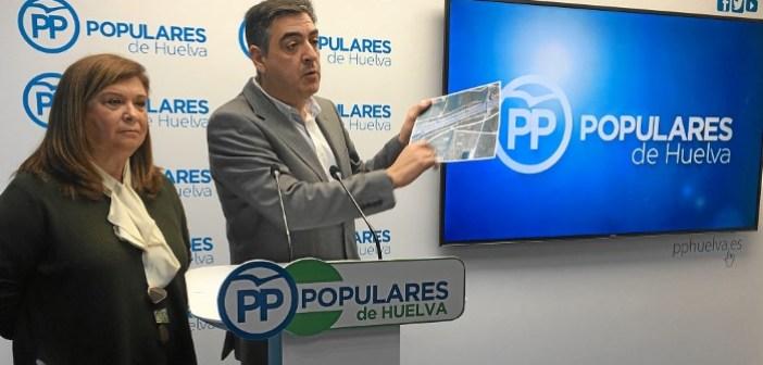 Rueda de prensa del PP sobre el Chare de Lepe (2)