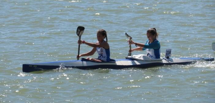 Elena y Mercedes en el k2 de piragüismo.