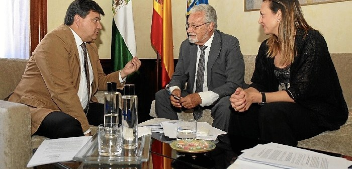 8.6.17 Visita Defensor Pueblo Andaluz 4