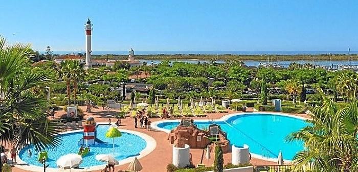 turistas-en-Hotel-El-Fuerte-El-Rompido-e1492603616126
