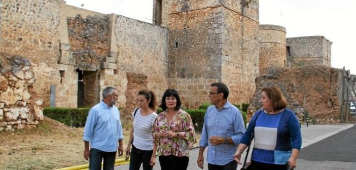 Caraballo visita los castillos de Niebla y Aracena (4)
