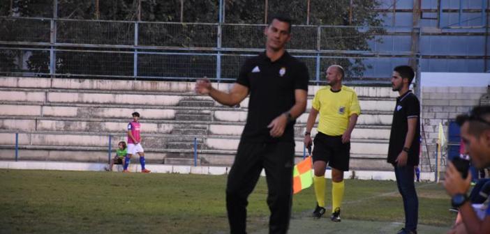 Javier Casquero, técnico del Recreativo de Huelva. (Tenor)