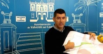 Alcalde de Almonte explica el cambio del PERI Valle LaFuente
