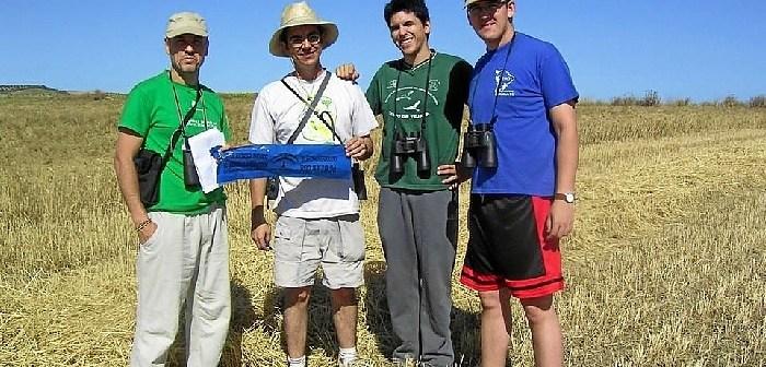Foto: Ignacio Herrera (izquierda) junto a uno de los grupos de voluntarios ambientales.