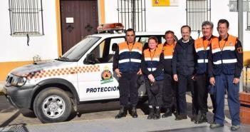 Vehículo Protección Civil en Hinojos