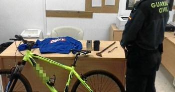 Algunos de los objetos recuperados de los robos en Cartaya, Aljaraque y Huelva.