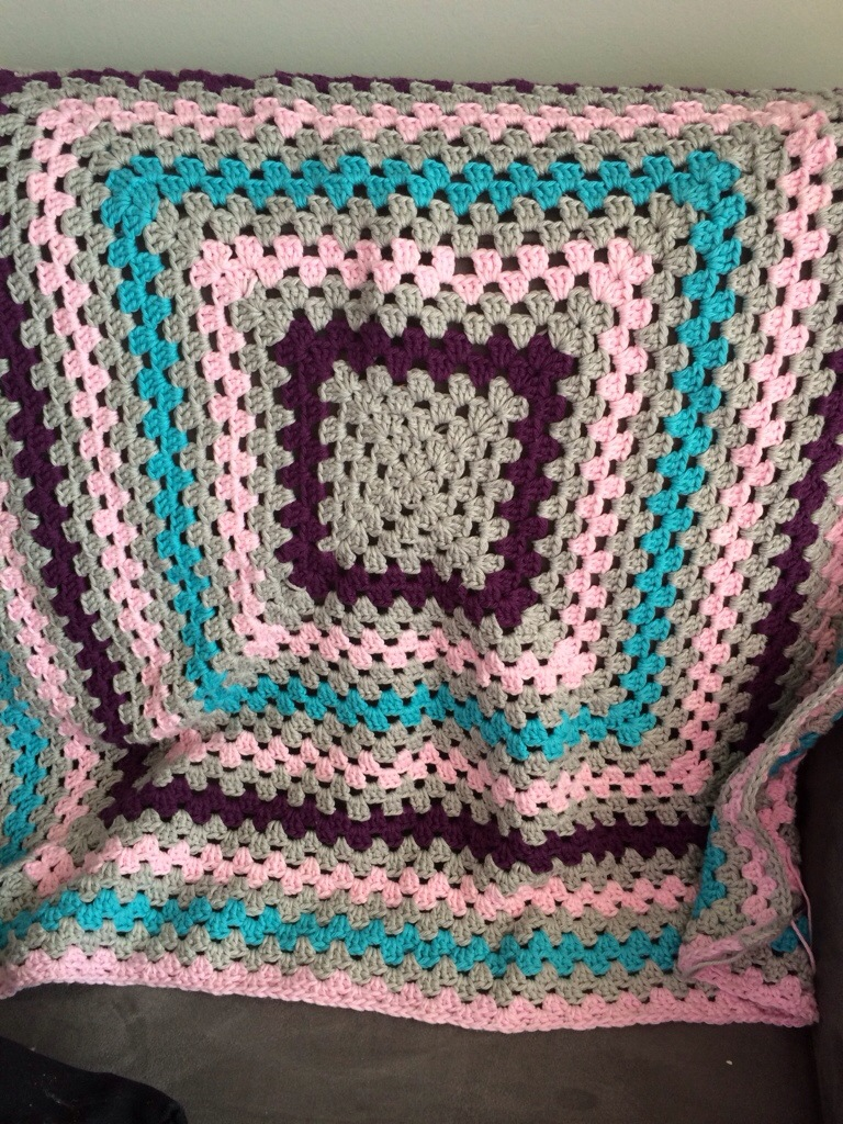 Giant Granny Square Blanket by Hugs are Fun