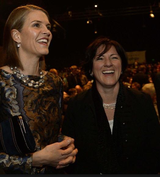 The two charming ladies: Colleen Bell and Réka Szemerkényi