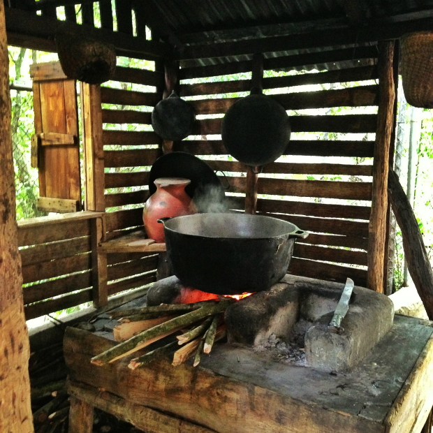 fogon-fuego-sancocho-dominican-republic