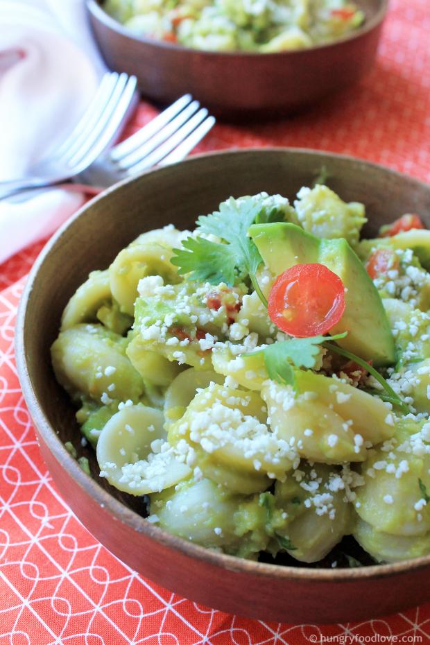 Guacamole Pasta Salad   |   hungryfoodlove.com