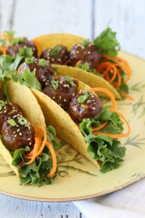 Asian Meatball Tacos   |   @hungryfoodlove