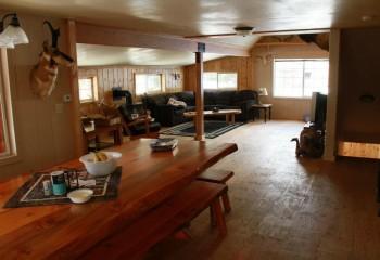 lodge2dinninglivingroom