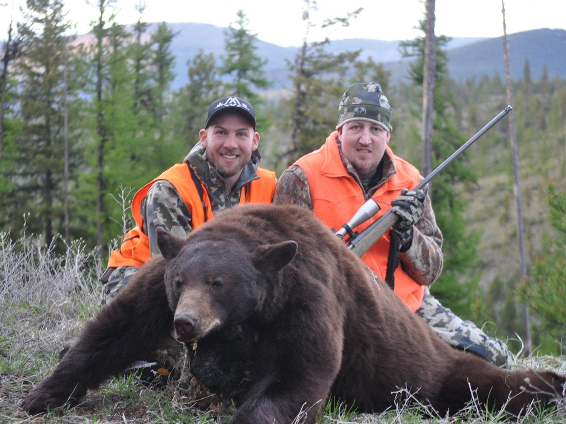 Jhonny Joner bear hunting guide