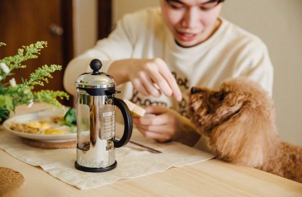 極愛吐司的廖馬力總是家裡第一個吃飯的小鬼。