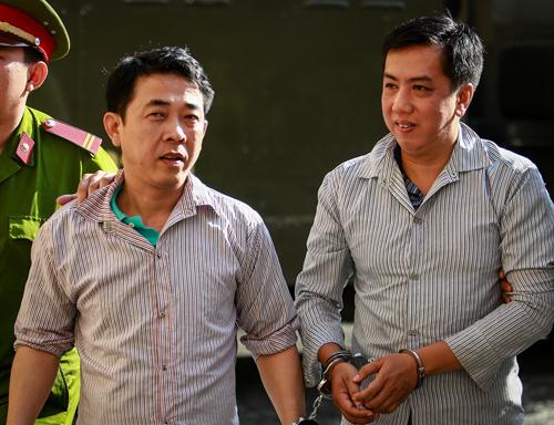 Cựu Chủ tịch VN Pharma Nguyễn Minh Hùngvà Cường trong lần ra tòa phúc thẩm hai năm trước. Thành Nguyễn.