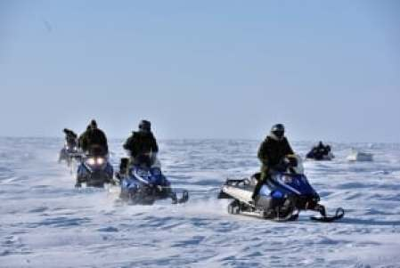 UFO Crash Lands in Lake Winnipeg, Canada Feb. 19 ; Covered Up by Military on the Scene  Exercise-arctic-bison-2015