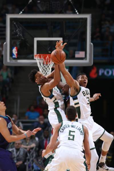 Game Action - Bucks vs Hornets - 2/19/16 | Milwaukee Bucks