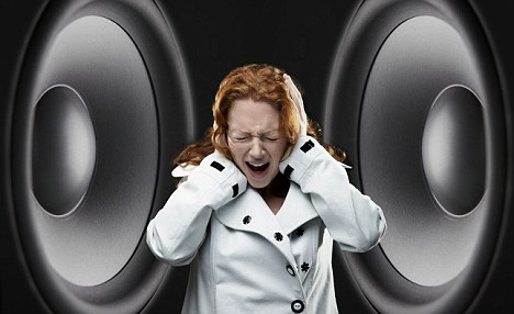 Chronic tinnitus makes you hear some high-pitched sound that is often unbearable 1