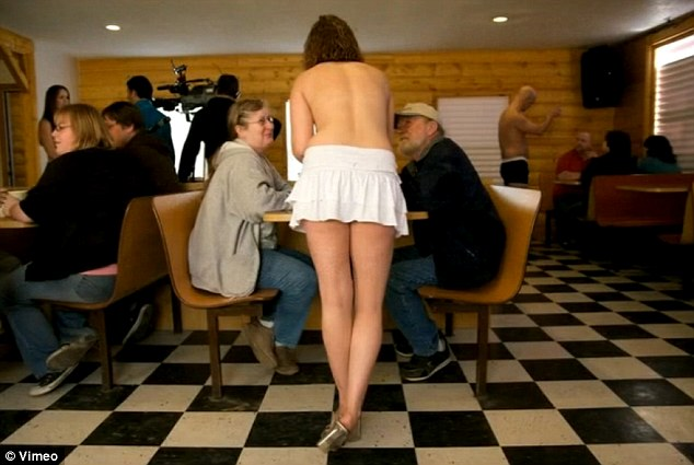 Photo Semi-nude Inside the Grand View Topless Coffee Shop