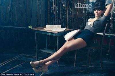 New Girl star Zooey Deschanel tells Allure magazine she was bullied at school | Daily Mail Online