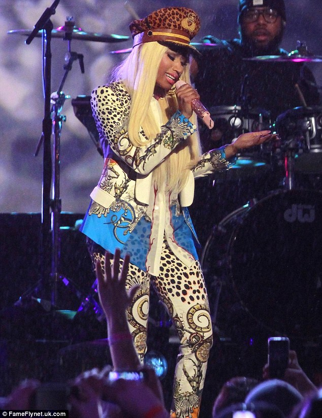 Pink Friday: Nicki had a pink microphone for her special showcase