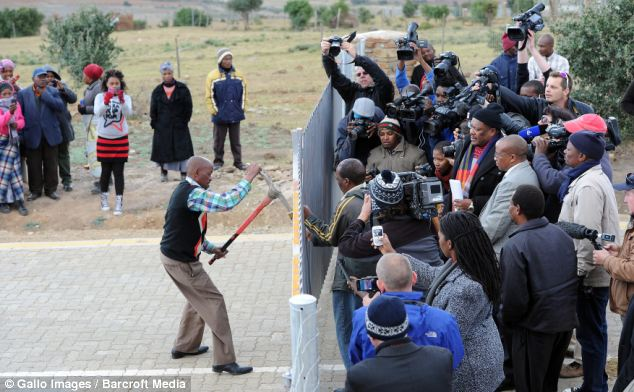 Mandla Mandela had refused to cooperate with the court order, forcing bailiffs to act in Mvezo
