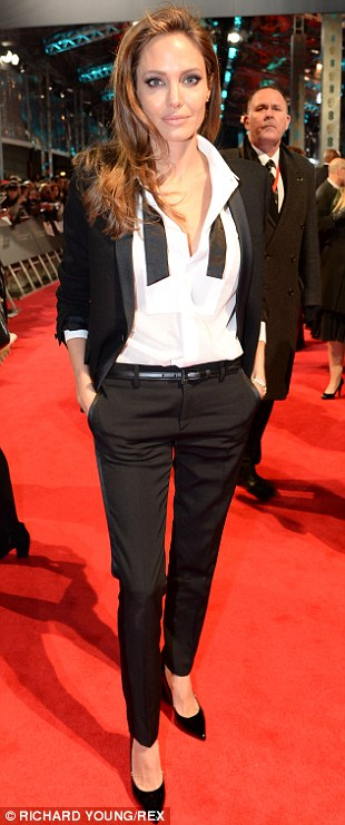 Angelina Jolie EE British Academy article-2560711-1B8D1FD200000578-214_310x741.jpg