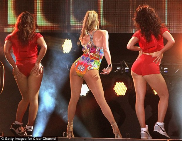 Sizzling: The On The Floor hitmaker treated the audience to a view of her back