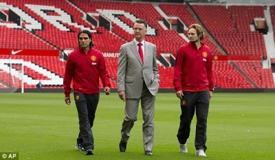 Radamel Falcao and Daley Blind unveiled at Manchester United press conference LIVE | Daily Mail ...