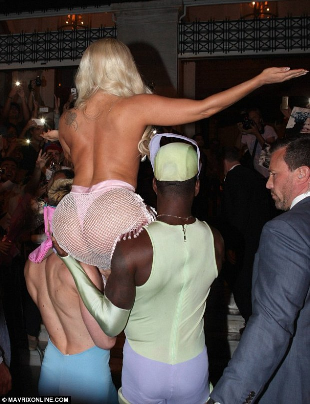 Did you get a good shot? The star made sure photographers got a good view of her thong-clad derriere