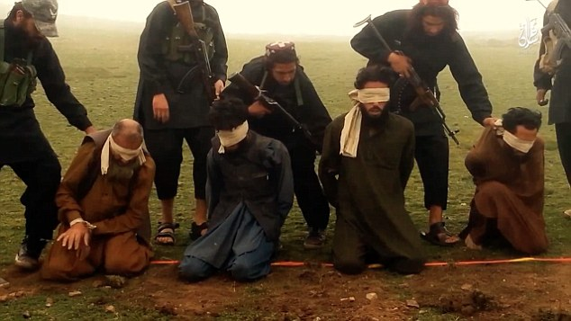 Appalling: the victims are forced to knee where the bombs have been secretly hidden by the ISIS militants
