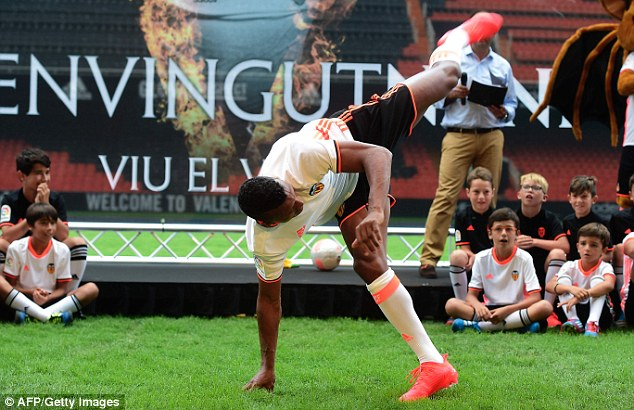 Portuguese winger Nani shows off his Capoeira moves as he's unveiled at Spanish club Valencia