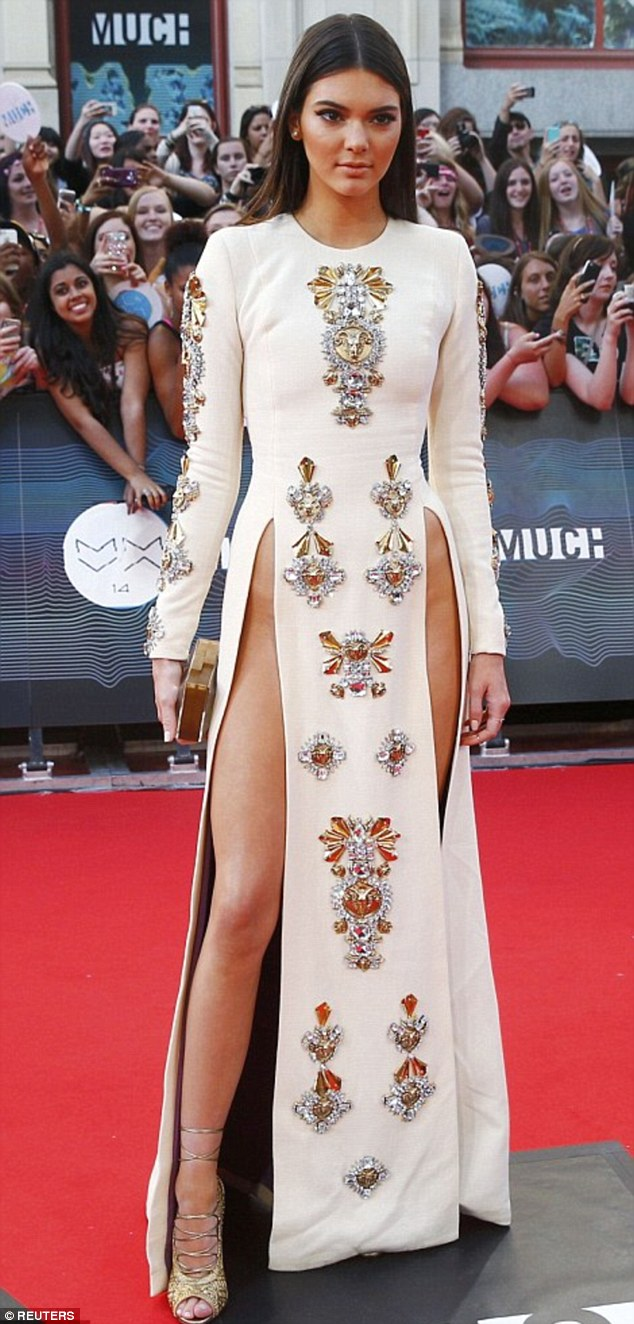 Kendall Jenner was an early proponent of the trend, wearing a dress slashed to her pelvic bones to theMuchMusic Video Awards in Toronto in June 2014