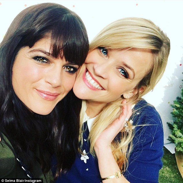 Reese Witherspoon reunites with Cruel Intentions co star Selma Blair     Reese Witherspoon  R  merrily reunited