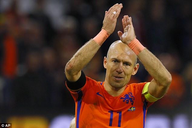 Arjen Robben terminou sua carreira internacional depois que a Holanda ficou em terceiro na eliminatória da Copa do Mundo