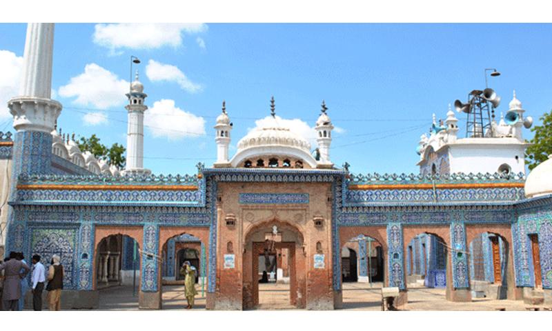 Bharchundi Sharif, a Muslim shrine near Daharki under the patronage of Mian Mithu | Salman Haqqi