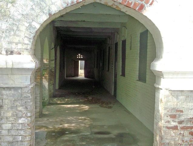 The deserted veranda of the Aariya High School.