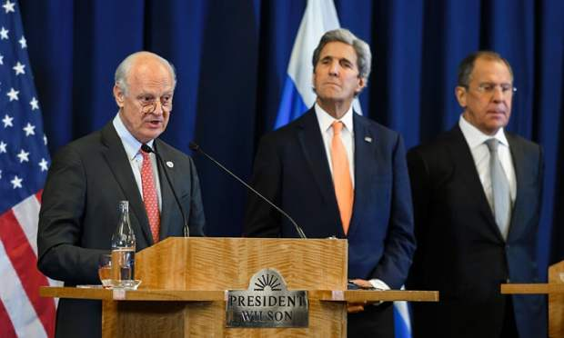 (L -R) United Nations Special Envoy for Syria Staffan de Mistura, US Secretary of State John Kerry and Russian Foreign Minister Sergei Lavrov attend a press conference.— AFP