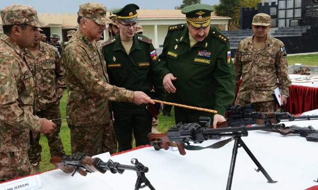 Russian delegation inspects weapons. -ISPR