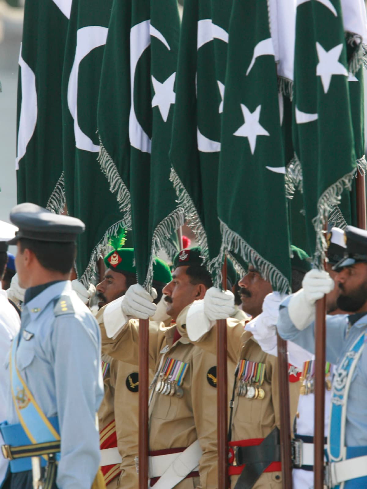 Pakistani soldiers at a military parade | Tanveer Shahzad, White Star