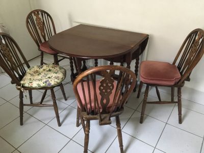 Vintage second hand kitchen table and 4 chairs   in Newcastle, Tyne and Wear   Gumtree