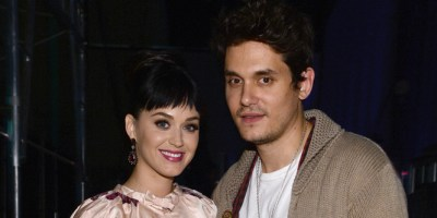 Katy Perry Wears Engagement Ring, Incites Frenzy Of ...