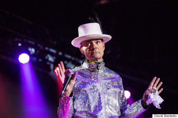Gord Downie Uses Tragically Hip Concert To Spur Trudeau On First Nations