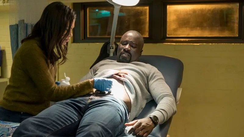 Diamondback turns Luke Cage into a horror movie Rosario Dawson and Mike Colter  Photo  Myles Aronowitz Netflix   Marvel s Luke  CageSeason 1
